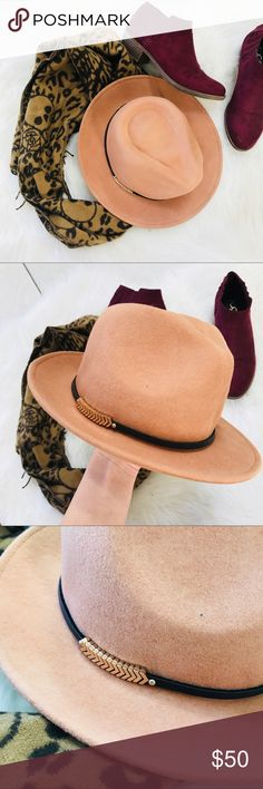 Vince Camuto Wide Brim Hat Tan Vince Camuto wide brim hat. Never worn, in perfect condition. This hat has gold metal arrows on the side. Vince Camuto Accessories Hats