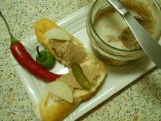 Voňavá játrová paštika s masem z vepřových žeber http://yummyummy.blog.cz/1509/vonava-jatrova-pastika-s-masem-z-veprovych-zeber