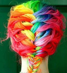 Summer fun with your hair : Hair chalk: Update your hair color without commitment Boho Hairstyles, Pretty Hairstyles, Rainbow Hairstyles, Hairstyles Haircuts, Wedding Hairstyles, Hairstyle Ideas, Fishtail Hairstyles, Stylish Hairstyles, Hairstyle Tutorials