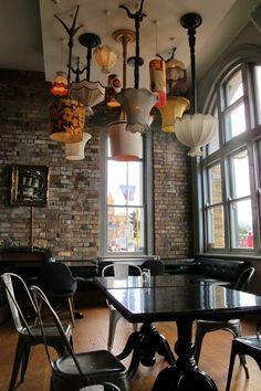 How To Brighten Your Home With Ceiling Lights – diy Interior design Deco Restaurant, Restaurant Design, Restaurant Lighting, Restaurant Names, Industrial Restaurant, Restaurant Ideas, Cafe Design, House Design, Diy Interior