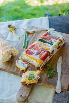 Terrine mit gegrilltem Gemüse für den Aperitif (Terrine de légumes grillés pour…