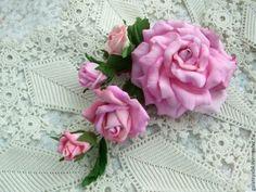 """Купить Зажим-украшение для волос с розами из фоамирана """"Розовый каскад - заколка для волос, заколка с цветами"""