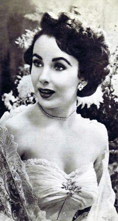 Elizabeth Taylor <3 1949