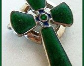 """Vintage Green Enamel Cross brooch Pin Signed Sol Do'r by Miracle Scottish Jewelry 2"""" VG"""