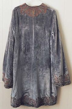 Evening coat early 1920s Vitaldi Babani (French, born Middle East, active 1895-1940)   Silk, metal (hva)