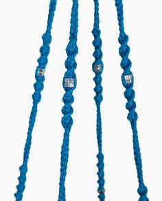 Suspension en macramé modèle Neptune ByMadjo. Coton bleu, écrou en métal, saladiers en inox Suspension macramé Suspension plante Suspension pour plantes Macramé