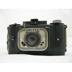 Cámara fotográfica UNI-FEX (1950) (Totalmente original NO réplica)  -Formato medio -Película de 120 - 6x9 -Objetivo fijo con dos aperturas F y dos de velocidades de obturación  *Envío a toda España en 24 - 72 horas