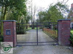 Prefab toegangspoorten van siersmederij beentjes bv uit Alkmaar, poort , hekwerk, elektrisch hek