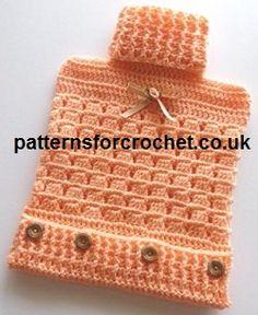 Hot Water Bottle Cover free crochet pattern, made in fingering yarn. Crochet Kitchen, Crochet Home, Crochet Crafts, Free Crochet, Knit Crochet, Yarn Projects, Crochet Projects, Knitting Patterns, Crochet Patterns