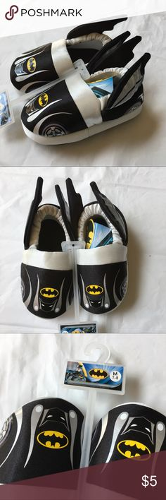 "NEW Batman Slippers Boys Medium 7/8 Brand new with tags. Little boys size medium (7/8). Exterior bottom length is 6.5"". Retail $17.99. 🛑Will not be priced lower. 🚫No offers🚫 Batman Shoes Slippers"