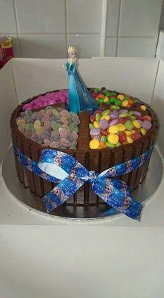 Frozen kitkat cake