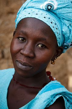 Portrait of a woman in a small fishing village near to Mopti