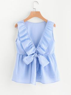 To find out about the Flounce Trim Plunging Bow Neck Shell Top at SHEIN, part of our latest Women Tops ready to shop online today! Woman Outfits, Kids Outfits, Cute Outfits, Look Fashion, Fashion Clothes, Fashion Outfits, Fashion Black, Fashion Ideas, Blouse Styles