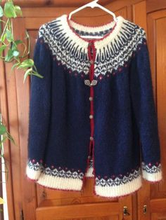 Looking for knitting project inspiration? Check out My Icelandic sweater jacket by member FriedaG. Knitting Designs, Knitting Projects, Knitting Patterns, Knitting Sweaters, Hand Knitting, Sweater Jacket, Vest, Icelandic Sweaters, Sweater Patterns