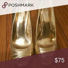 Shoes Aldo Gold peep toe platforms/ 4 in heel.like new ALDO Shoes Heels
