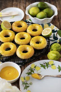 İnanılmaz hafif, limon tazeliğinde, yumuşacık donutlar çıktı fırınımdan. Limon kreması ile buluştuktan sonra iyiden iyiye mest ettiler, d...