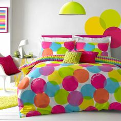 Zandra Rhodes Cosmo Duvet Set http://www.terrysfabrics.co.uk/prod/bedding/luxury-bedding-set/zandra-rhodes/cosmo-duvet-set-multi/