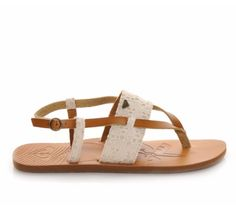 These cool strappy sandals have us dreaming of surf, sand, and sunshine all the time. #summer #sandals #style #boho #flat #comfortable #beach