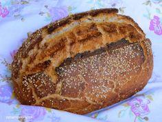 Nirgendwo auf der Welt gibt es so viele Brotsorten wie in Deutschland. Ich wollte mal ein Brot in Bio - Qualität backen und habe mir aus verschiedenen Rezepten und meinen Vorstellungen eins zusammenge