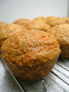 Carrot Muffins like carrot cake, only healthier. I used coconut oil instead of canola and used a cup of powdered sugar and a little coconut extract to make a little drizzle so the kids might actually eat them. Donut Muffins, Breakfast Muffins, Mini Muffins, Breakfast Cafe, Bran Muffins, Free Breakfast, Breakfast Ideas, Breakfast Recipes, Morning Glory Muffins