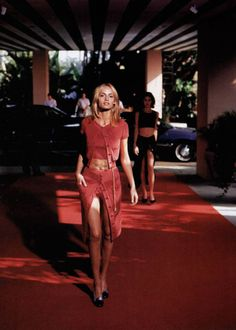 Amber Valletta & Shalom Harlow  Chanel, 1996