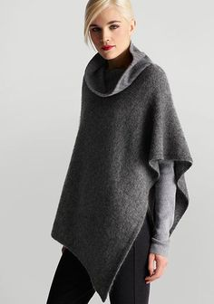 eileen fisher gray turtleneck poncho -Love this poncho ! Fashion Casual, Grey Turtleneck, Mode Plus, Knitted Poncho, Grey Poncho, Fall Trends, Eileen Fisher, Knitwear, What To Wear