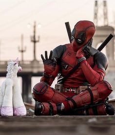 No doubt this has to be the hottest cosplay . Deadpool Cosplay, Deadpool Et Spiderman, Deadpool Funny, Marvel Comics, Marvel Heroes, Marvel Avengers, Deadpool Wallpaper, Avengers Wallpaper, Disney Marvel
