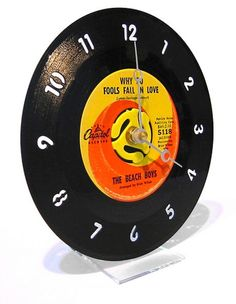 vinyl recycling from old records made into a clock