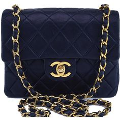 Pre-Owned Chanel Navy Blue Classic Quilted Square Mini 2.55 Flap Bag (13.705 DKK) ❤ liked on Polyvore featuring bags, handbags, purses, accessories, bolsas, navy blue, chanel handbags, blue purse, cross-body handbag and navy blue purses