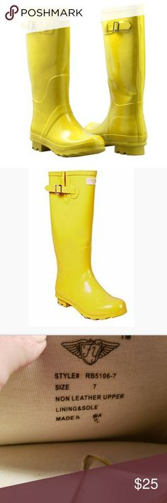 Forever Young Yellow Rain Boots size 7 Forever Young Yellow Rain Boots size 7. Good condition Forever Young Shoes Winter & Rain Boots