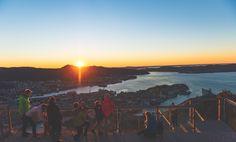 Ta en tur opp til Fløyen og nyt den fine utsikten sammen med en tur, god mat eller en av aktivitene for barn og voksne. Få mer informasjon her!