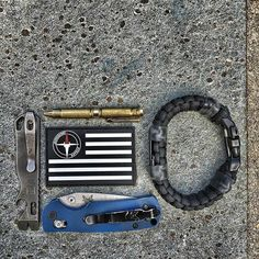 First Responder Strap chem glow light handcuff key etc. Law Enforcement and Rescue Paracord Bracelet with built in flashlight seatbelt cutter compass