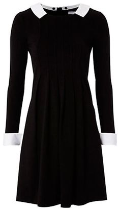 Kate Middletons Peter Pan collar black and white Topshop dress - Photo 1 | Celebrity news in hellomagazine.com
