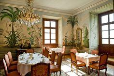 Frühstücken in den historischen Freskenräumen Summer Wedding, Oversized Mirror, Furniture, Home Decor, Wedding, Decoration Home, Room Decor, Home Furnishings, Home Interior Design