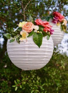 DIY flower paper lanterns tutorial. Make these simple party decorations for showers, weddings, birthday parties, and more! #weddingdecoration