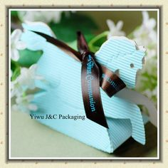 Cute little rocking horse shaped favour bags would look great as part of a Lucy in the Sky with Diamonds themed Beatles wedding.