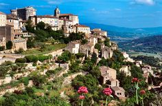 10 Must-See Towns in Provence :http://www.fodors.com/world/europe/france/provence/experiences/news/photos/10-must-see-towns-in-provence