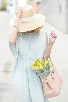 Tips on how to wear pastels in spring/ summer