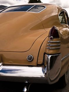 1948 Cadillac, the birth of the tail-fin.
