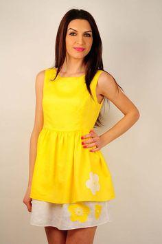 Rochie RVL din in cu aplicatii florale pe poale Peplum, Summer Dresses, Floral, Tops, Women, Fashion, Moda, Summer Sundresses, Fashion Styles