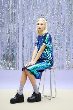 Mermaid Sequin Midi Dress #fashion #sequinsfashion #urbanstyle get a similar look in www.undecided.pt