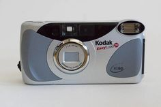 Vintage Kodak KE60 Easy Load 35 Point & Shoot / 35mm camera
