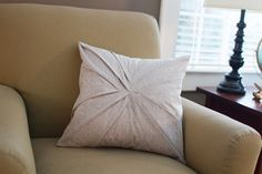 pleated pillow tutorial by skirt_as_top,