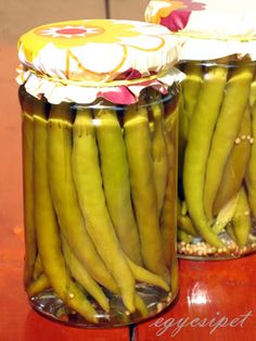 egycsipet: Csípős ecetes paprika Hungarian Cuisine, Hungarian Recipes, Bacon Recipes, Cooking Recipes, Canning Pickles, Pickling Cucumbers, Meals In A Jar, Pepperoni, Spices