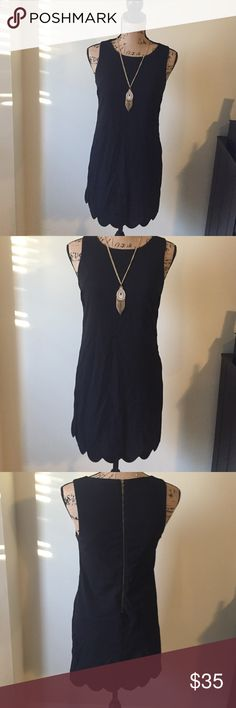 Scallop dress 🔸Black scallop dress🔸Size small🔸beautiful mini dress🔸wore a few times tiny bit of wear in the arm pit area see picture #4 🔸 Monteau Dresses Mini