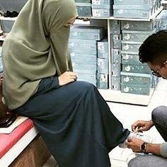 One day In sha Allah 😄 Cute Muslim Couples, Muslim Girls, Cute Couples Goals, Romantic Couples, Muslim Women, Muslim Couple Photography, Islam Marriage, Muslim Family, Love In Islam