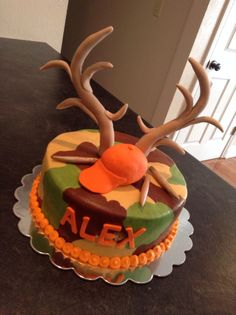 Deer Hunting Birthday Cake for Drew Les Gateaux Pinterest