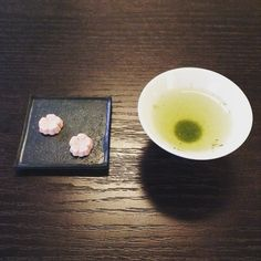 ゆるゆるとひと呼吸新茶をそうろといただく心を鎮めるためのお茶 #新茶 #落雁 #種ノ箱