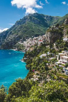 The Path Of The Gods // Positano, Italy • The Overseas Escape