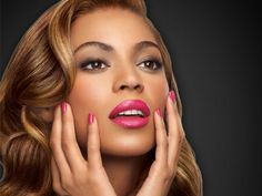 No one may ever be able to wake up in the morning as flawless as Beyonce but that doesn't mean you can't at least try to get Queen Bey's look. Beyonce And Jay Z, Beyonce Knowles, Queen B, Pink Lips, Black Is Beautiful, Beautiful People, Makeup Inspiration, Kylie Jenner, Houston